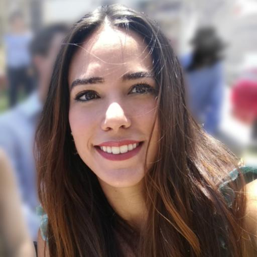 Headshot of author Valeria Santalla